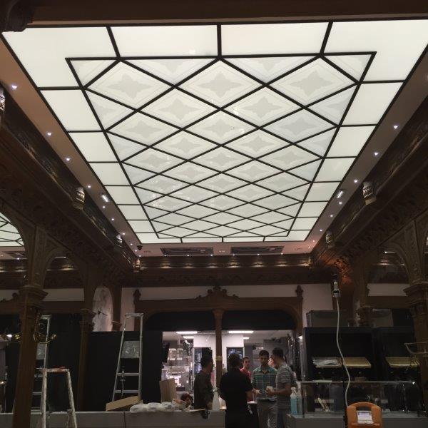 Plafond en verre avant travaux